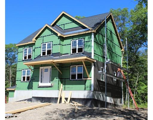 Частный односемейный дом для того Продажа на 1543 County Street Attleboro, Массачусетс 02703 Соединенные Штаты