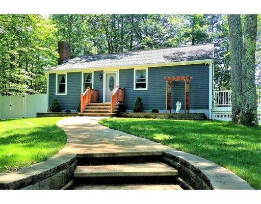 独户住宅 为 销售 在 829 Auburn Street Bridgewater, 马萨诸塞州 02324 美国