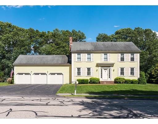Casa Unifamiliar por un Venta en 1 Crestview Avenue Medway, Massachusetts 02053 Estados Unidos