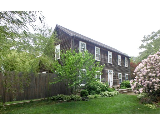 Single Family Home for Sale at 4 Stonewood Lane West Tisbury, Massachusetts 02575 United States
