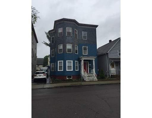 Многосемейный дом для того Продажа на 14 Hathaway Street Lynn, Массачусетс 01905 Соединенные Штаты