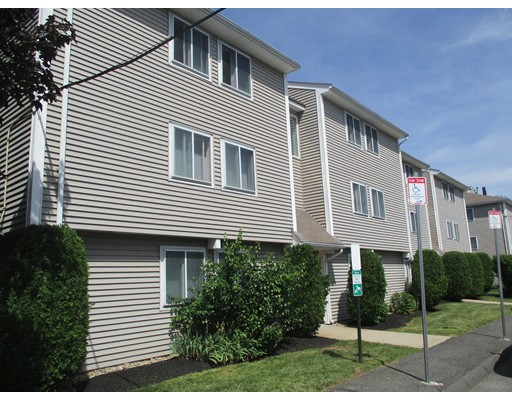 Additional photo for property listing at 14 Leverett Ave #1A 14 Leverett Ave #1A Boston, Massachusetts 02128 Estados Unidos
