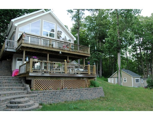 27 First St, Windham, NH 03087