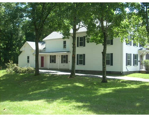 多户住宅 为 销售 在 24 Springhill Avenue Bridgewater, 马萨诸塞州 02324 美国