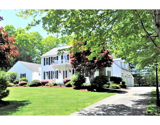 Single Family Home for Sale at 9 Northville Avenue 9 Northville Avenue East Bridgewater, Massachusetts 02333 United States
