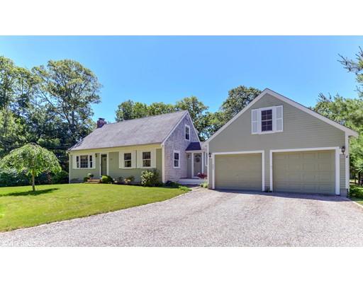 Частный односемейный дом для того Продажа на 409 Bumps River Road Barnstable, Массачусетс 02655 Соединенные Штаты
