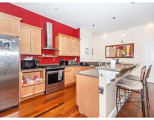 共管式独立产权公寓 为 销售 在 13 Mercer Street 波士顿, 马萨诸塞州 02127 美国