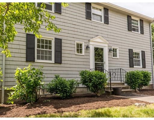 Maison unifamiliale pour l Vente à 25 Parks Drive 25 Parks Drive Sherborn, Massachusetts 01770 États-Unis