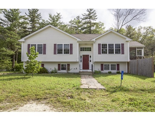 Maison unifamiliale pour l Vente à 12 Airy Acres Drive Glocester, Rhode Island 02814 États-Unis
