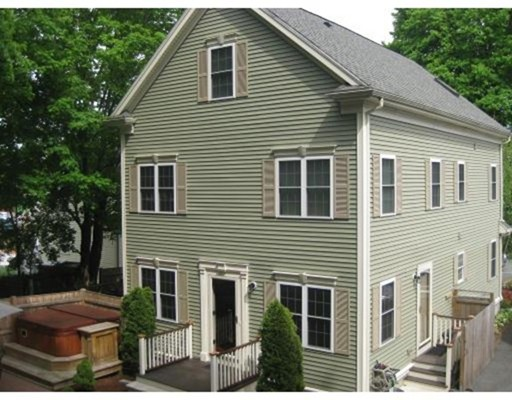 Single Family Home for Rent at 7 Moore Street Waltham, 02453 United States
