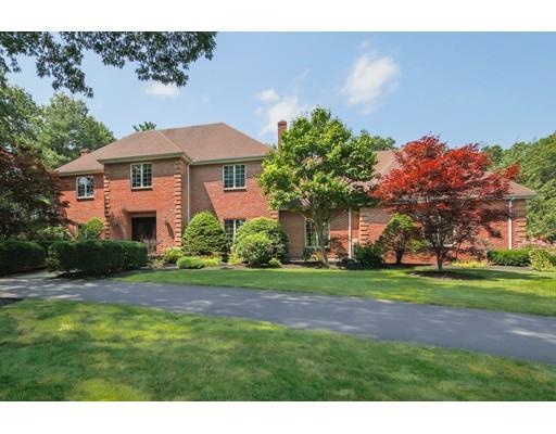 Maison unifamiliale pour l Vente à 8 Maplewood Road Middleton, Massachusetts 01949 États-Unis