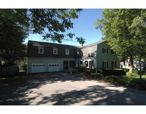 Single Family Home for Sale at 318 Patriots Road 318 Patriots Road Templeton, Massachusetts 01468 United States