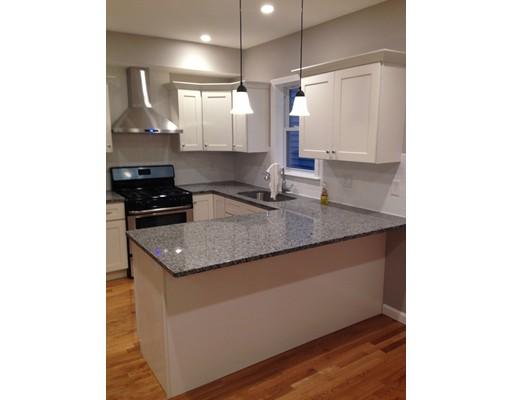 独户住宅 为 出租 在 71 Linwood Street 莫尔登, 马萨诸塞州 02148 美国