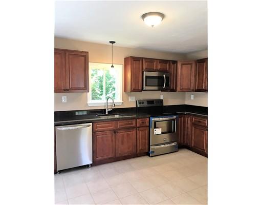 Частный односемейный дом для того Продажа на 21 George Street Attleboro, Массачусетс 02703 Соединенные Штаты