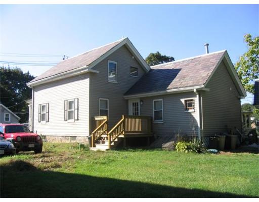 Casa Unifamiliar por un Alquiler en 376 Grove Street Boston, Massachusetts 02132 Estados Unidos