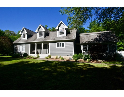Частный односемейный дом для того Аренда на 107 Rivers Edge Drive Middleboro, Массачусетс 02346 Соединенные Штаты