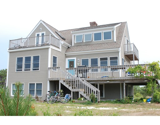 Casa Unifamiliar por un Venta en 15 Priest Road 15 Priest Road Truro, Massachusetts 02666 Estados Unidos