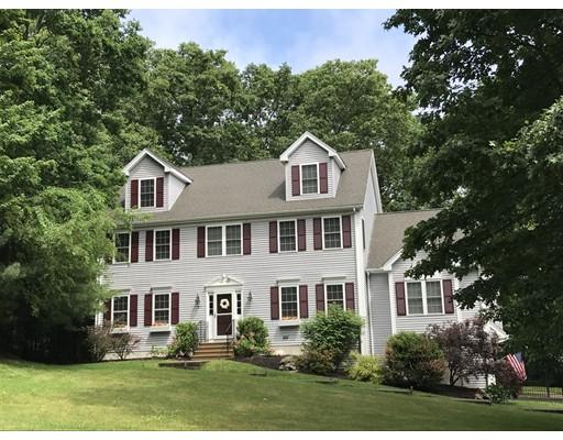 Частный односемейный дом для того Продажа на 81 Elmshade Drive Uxbridge, Массачусетс 01569 Соединенные Штаты