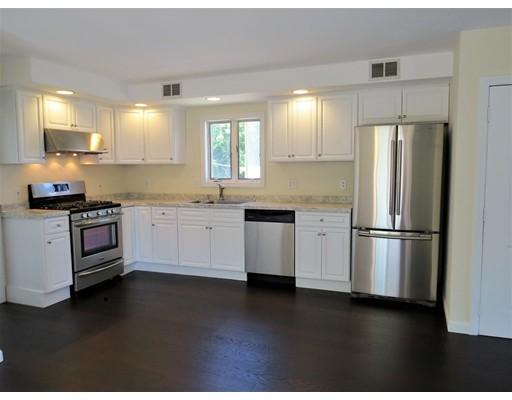 Casa Unifamiliar por un Alquiler en 90 Oak Middleboro, Massachusetts 02346 Estados Unidos