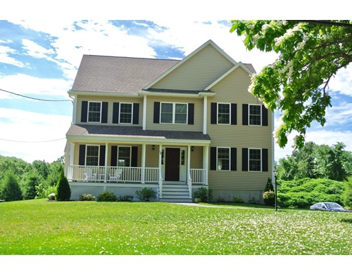Single Family Home for Sale at 194 Pine Hill Road Chelmsford, Massachusetts 01824 United States