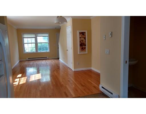 Casa Unifamiliar por un Alquiler en 13 dexter North Attleboro, Massachusetts 02760 Estados Unidos