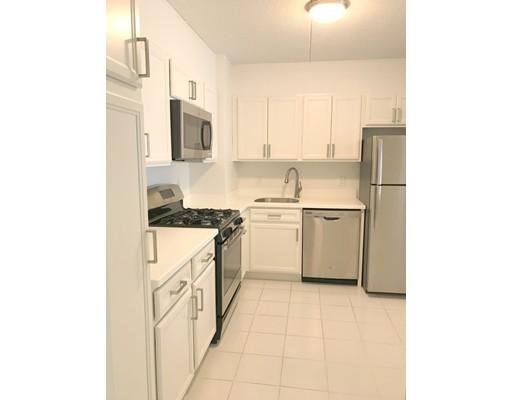 Appartement en copropriété pour l Vente à 1550 worcester Framingham, Massachusetts 01702 États-Unis