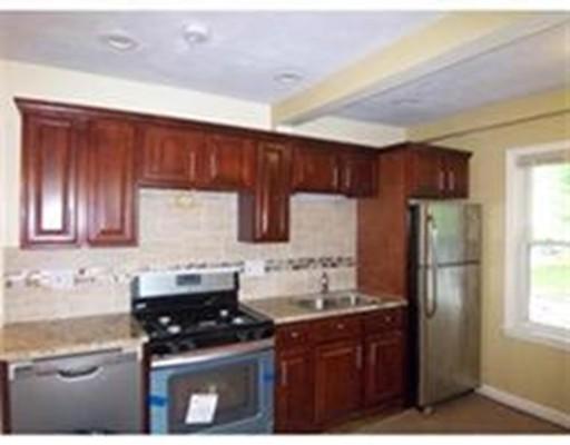 Maison unifamiliale pour l à louer à 581 Washington Braintree, Massachusetts 02184 États-Unis