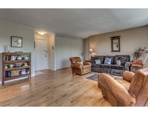 独户住宅 为 出租 在 216 Saint Paul Street 布鲁克莱恩, 马萨诸塞州 02446 美国