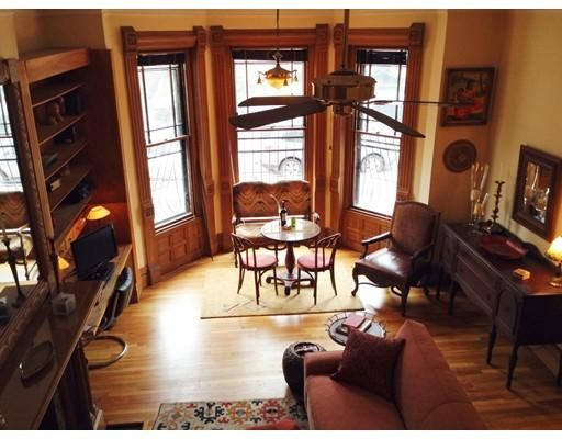 独户住宅 为 出租 在 240 Marlborough Street 波士顿, 马萨诸塞州 02116 美国
