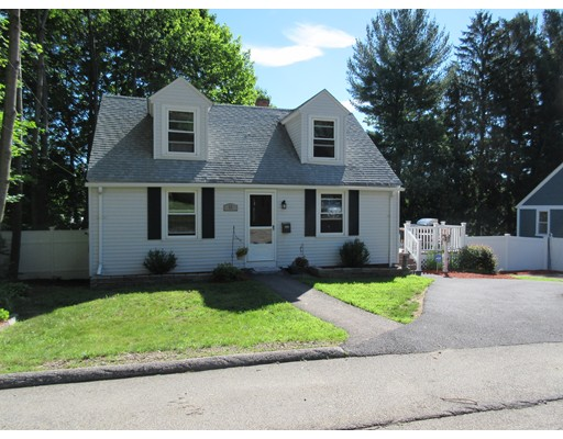 Single Family Home for Sale at 13 Manor Road Auburn, Massachusetts 01501 United States