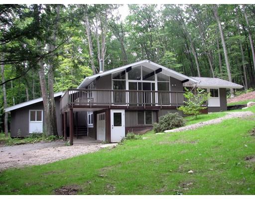 Casa Unifamiliar por un Venta en 8 Teawaddle Hill Road 8 Teawaddle Hill Road Leverett, Massachusetts 01054 Estados Unidos