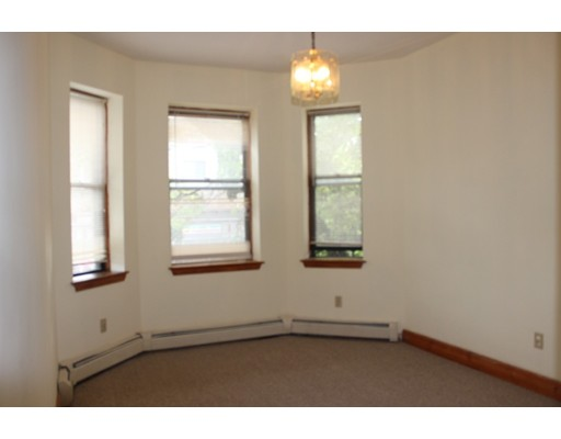 Casa Unifamiliar por un Alquiler en 152 Washington Street Boston, Massachusetts 02121 Estados Unidos
