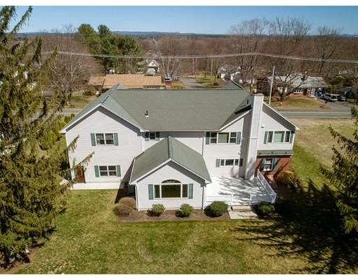 独户住宅 为 销售 在 300 N Main Street South Hadley, 马萨诸塞州 01075 美国