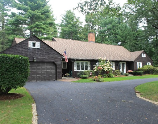 Частный односемейный дом для того Продажа на 7 Blueberry Hill Road 7 Blueberry Hill Road Wilbraham, Массачусетс 01095 Соединенные Штаты