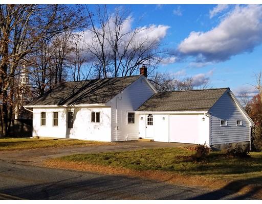 Maison unifamiliale pour l Vente à 11 Uxbridge Road 11 Uxbridge Road Sutton, Massachusetts 01590 États-Unis