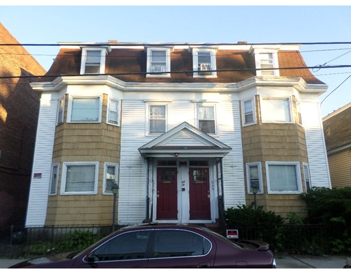 متعددة للعائلات الرئيسية للـ Sale في 129 Springfield Street Lawrence, Massachusetts 01843 United States