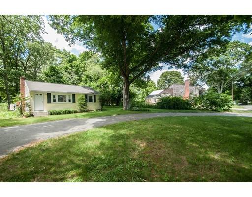 独户住宅 为 销售 在 52 Cottage Street East Bridgewater, 马萨诸塞州 02333 美国