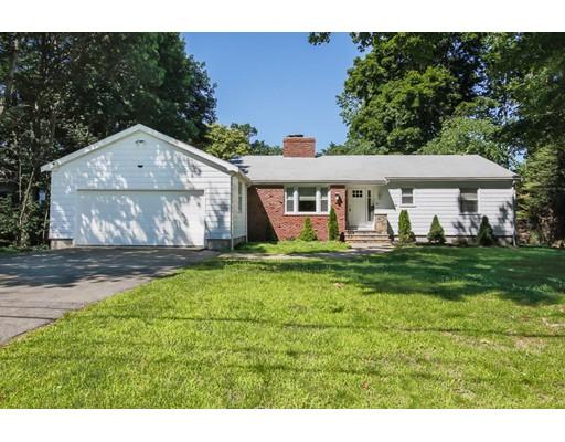 Частный односемейный дом для того Продажа на 23 Douglas Road 23 Douglas Road Lynnfield, Массачусетс 01940 Соединенные Штаты