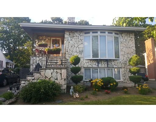Maison avec plusieurs logements pour l Vente à 33 Sixth Street Medford, Massachusetts 02155 États-Unis