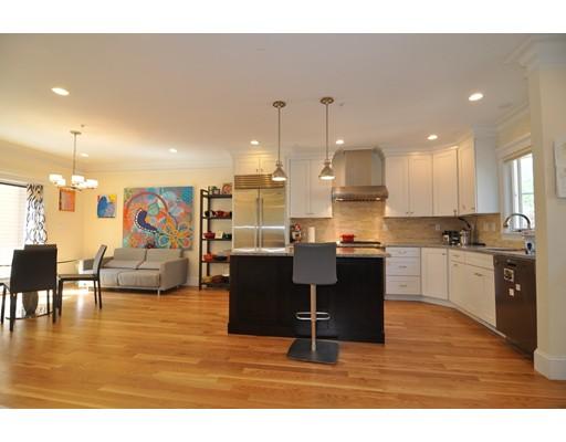 Casa Unifamiliar por un Alquiler en 32 Meadowbrook Road Brookline, Massachusetts 02467 Estados Unidos