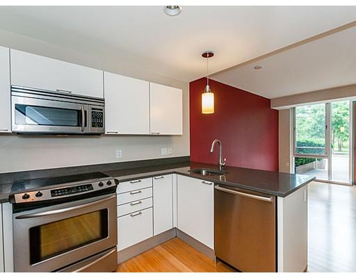 شقة بعمارة للـ Sale في 2 Earhart Street Cambridge, Massachusetts 02141 United States