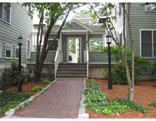 独户住宅 为 出租 在 205 RICHDALE 坎布里奇, 马萨诸塞州 02140 美国
