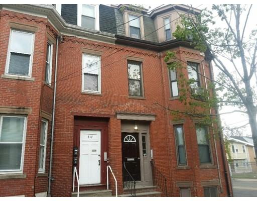Casa Unifamiliar por un Alquiler en 317 Spruce Street Chelsea, Massachusetts 02150 Estados Unidos