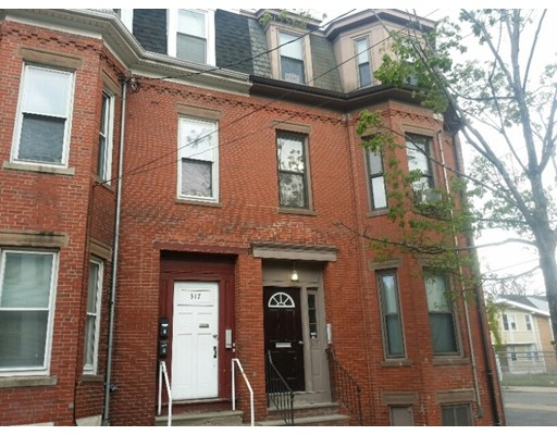 Additional photo for property listing at 317 Spruce Street  Chelsea, Massachusetts 02150 Estados Unidos