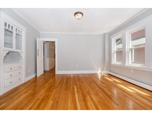 شقة بعمارة للـ Sale في 23 Cheverus Road Boston, Massachusetts 02124 United States