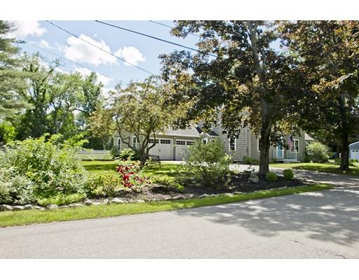 Casa Unifamiliar por un Venta en 4 Woodlawn Avenue Hampton Falls, Nueva Hampshire 03844 Estados Unidos