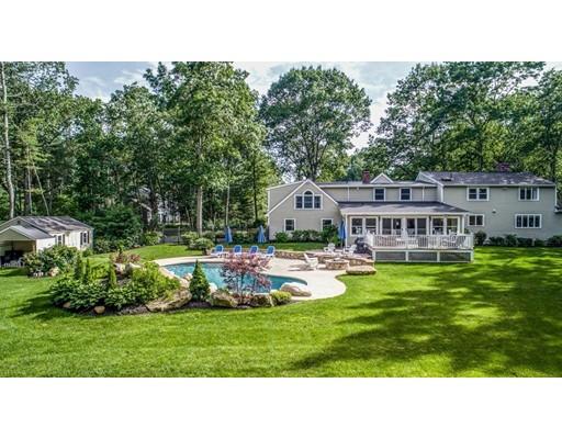 Maison unifamiliale pour l Vente à 17 Thicket Circle Stow, Massachusetts 01775 États-Unis