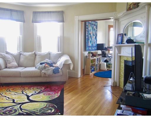 Casa Unifamiliar por un Alquiler en 101 Elm Street Somerville, Massachusetts 02144 Estados Unidos