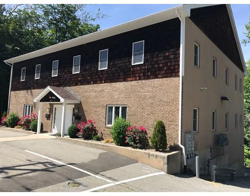 Casa Unifamiliar por un Alquiler en 870 ELM Street West Springfield, Massachusetts 01089 Estados Unidos