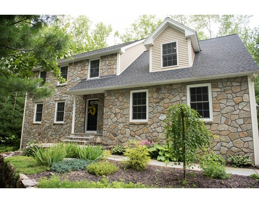 Single Family Home for Sale at 162 Pease Road 162 Pease Road East Longmeadow, Massachusetts 01028 United States